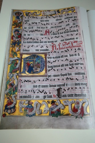 choral-book-195625_1920
