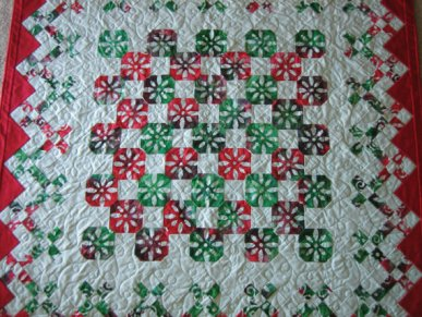 https-::www.etsy.com:listing:112220357:handmade-christmas-quilt-snowballs-in-my?ga_order=most_relevant&ga_search_type=all&ga_view_type=gallery&ga_search_query=Christmas%20quilts&ref=sr_gallery_40
