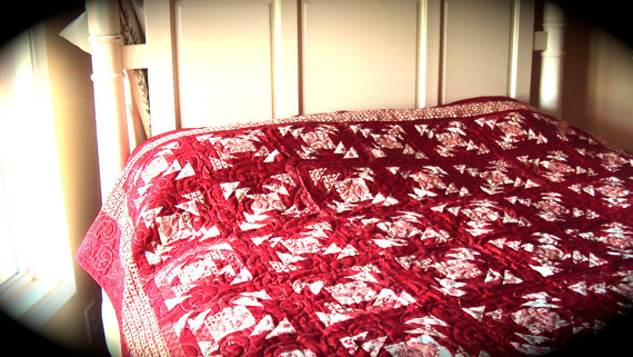 https-::www.etsy.com:listing:184688255:red-and-white-christmas-quilt-handmade?ga_order=most_relevant&ga_search_type=all&ga_view_type=gallery&ga_search_query=Christmas%20quilts&ref=sr_gallery_4
