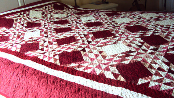 https-::www.etsy.com:listing:184797218:handmade-queen-size-quilt-red-and-white?ga_order=most_relevant&ga_search_type=all&ga_view_type=gallery&ga_search_query=Christmas%20quilts&ref=sr_gallery_42