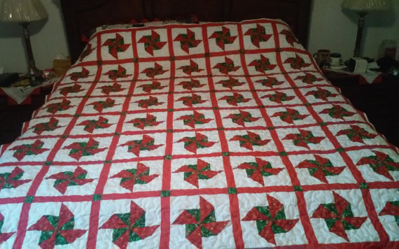 https-::www.etsy.com:listing:251589832:king-size-christmas-quilt?ga_order=most_relevant&ga_search_type=all&ga_view_type=gallery&ga_search_query=Christmas%20quilts&ref=sr_gallery_10