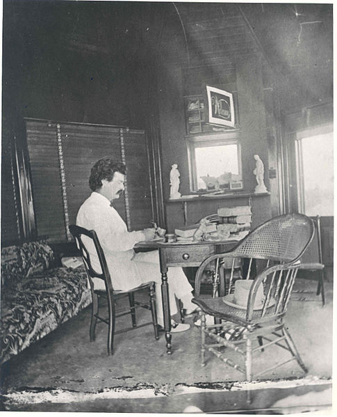 Mark_Twain_at_desk