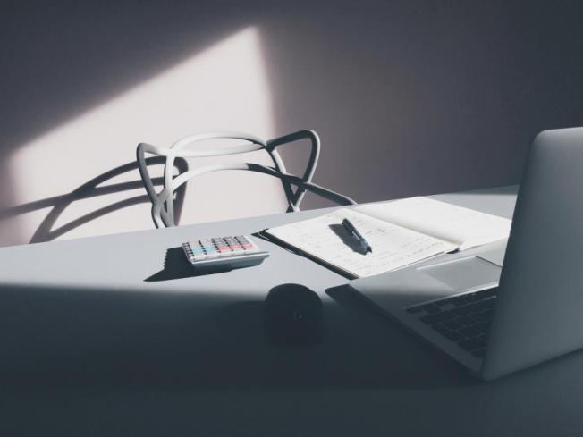 vacant-desk