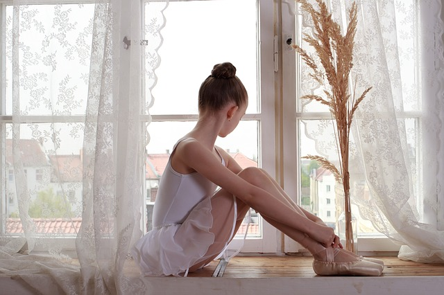 ballerina-3223322_640