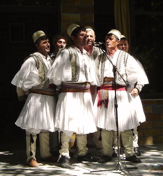 Albania- Fustanela_001