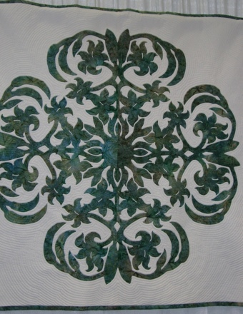 Casablanca Lily quilt by Pat Gorelangton