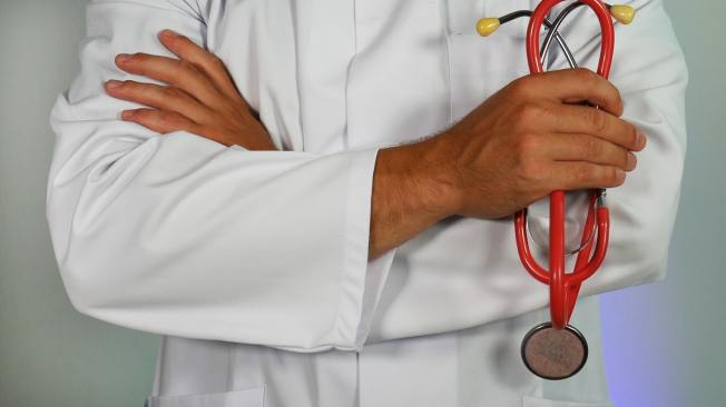 Doctor online-marketing-hIgeoQjS_iE-unsplash
